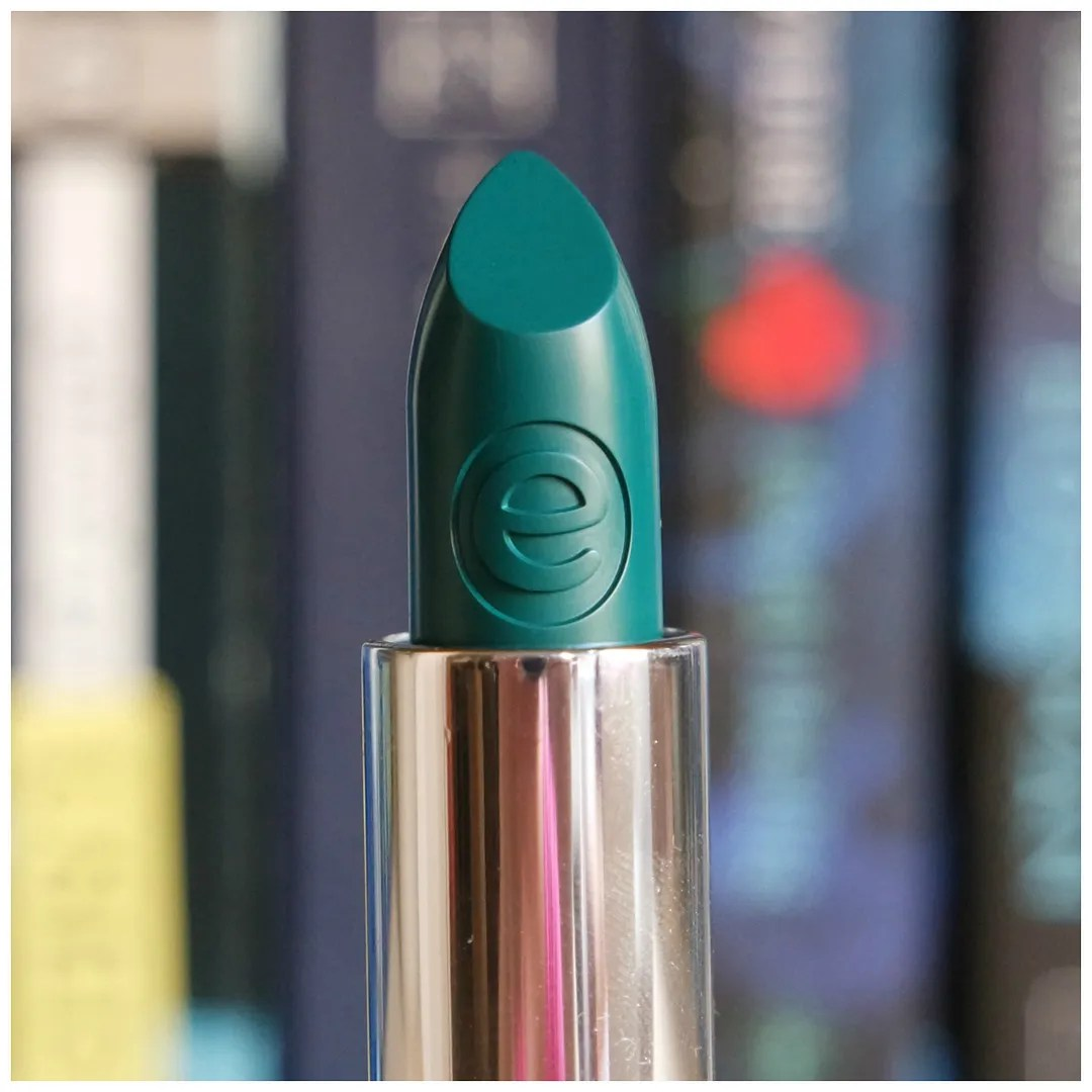 essence lipsticks review swatch so un-grey-tful out of the box no to mainstream