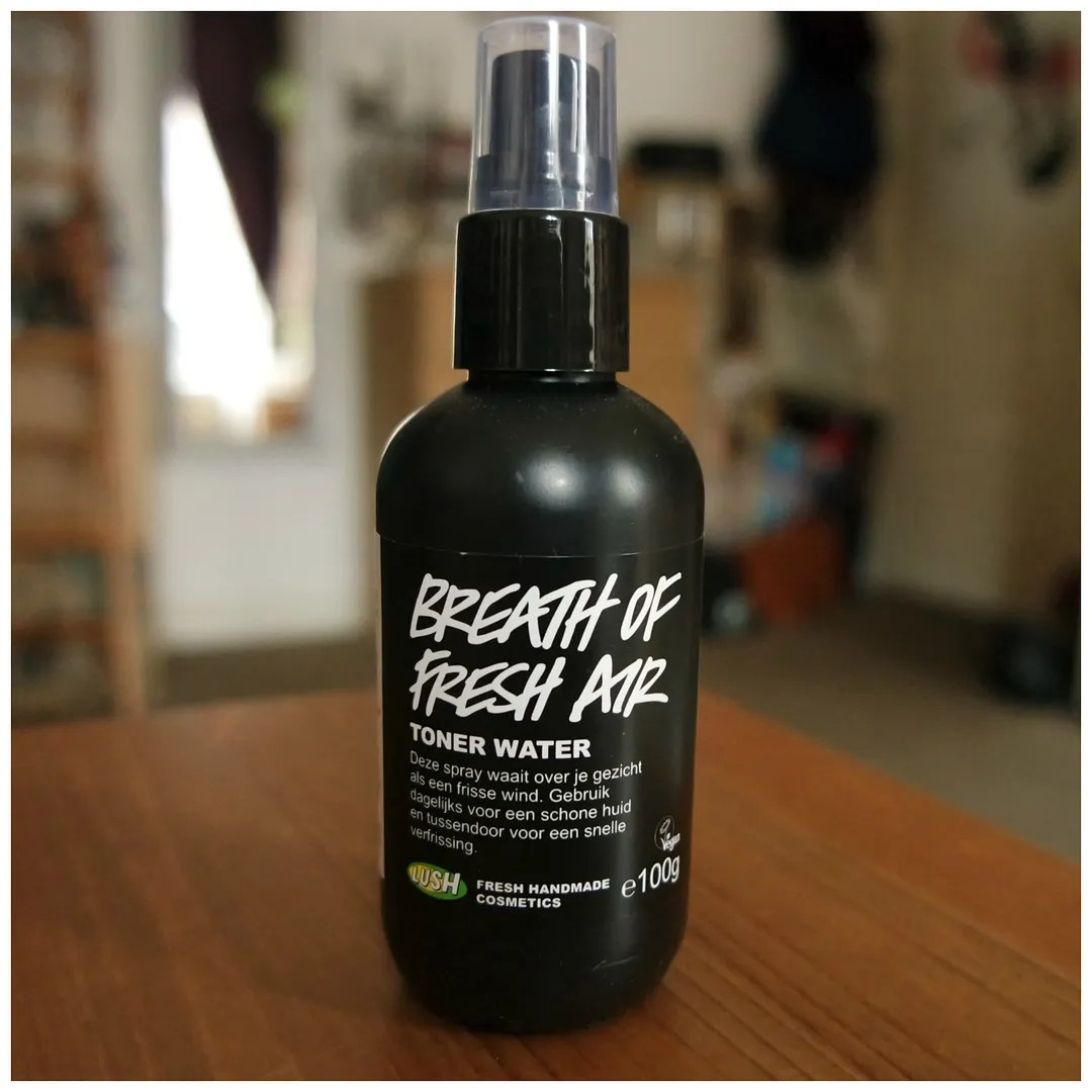 lush breath of fresh air skincare toner review swatch