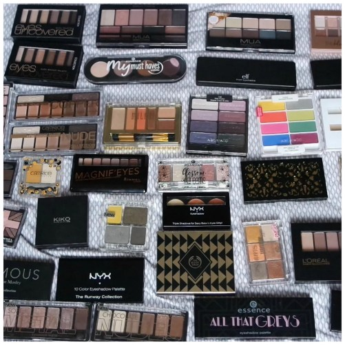 makeup declutter eyeshadow palettes
