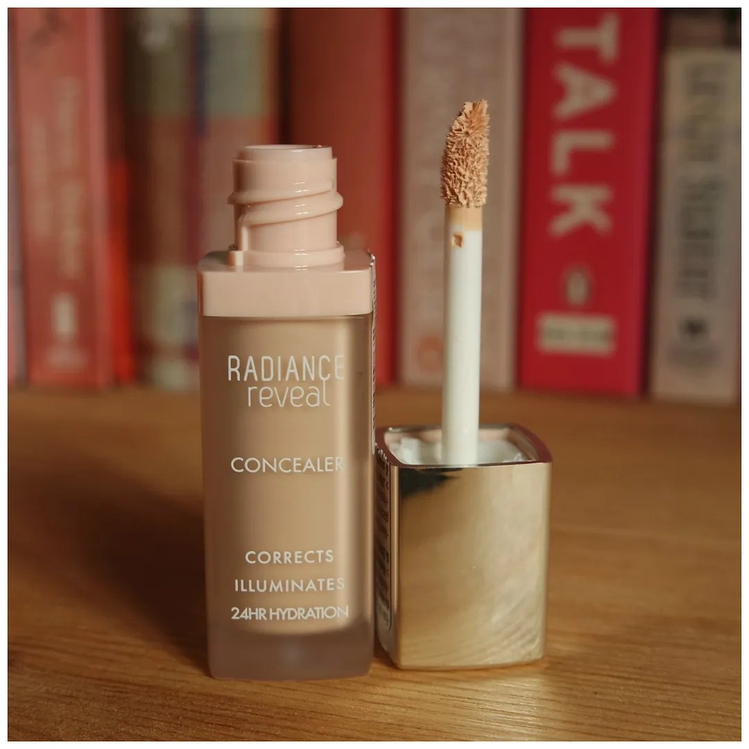 bourjois radiance reveal concealer review swatch ivory