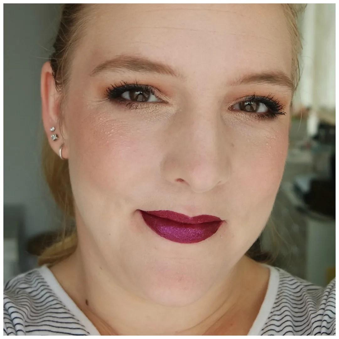 essence lipstick velvet matte melted chrome glitter switch review new swatch