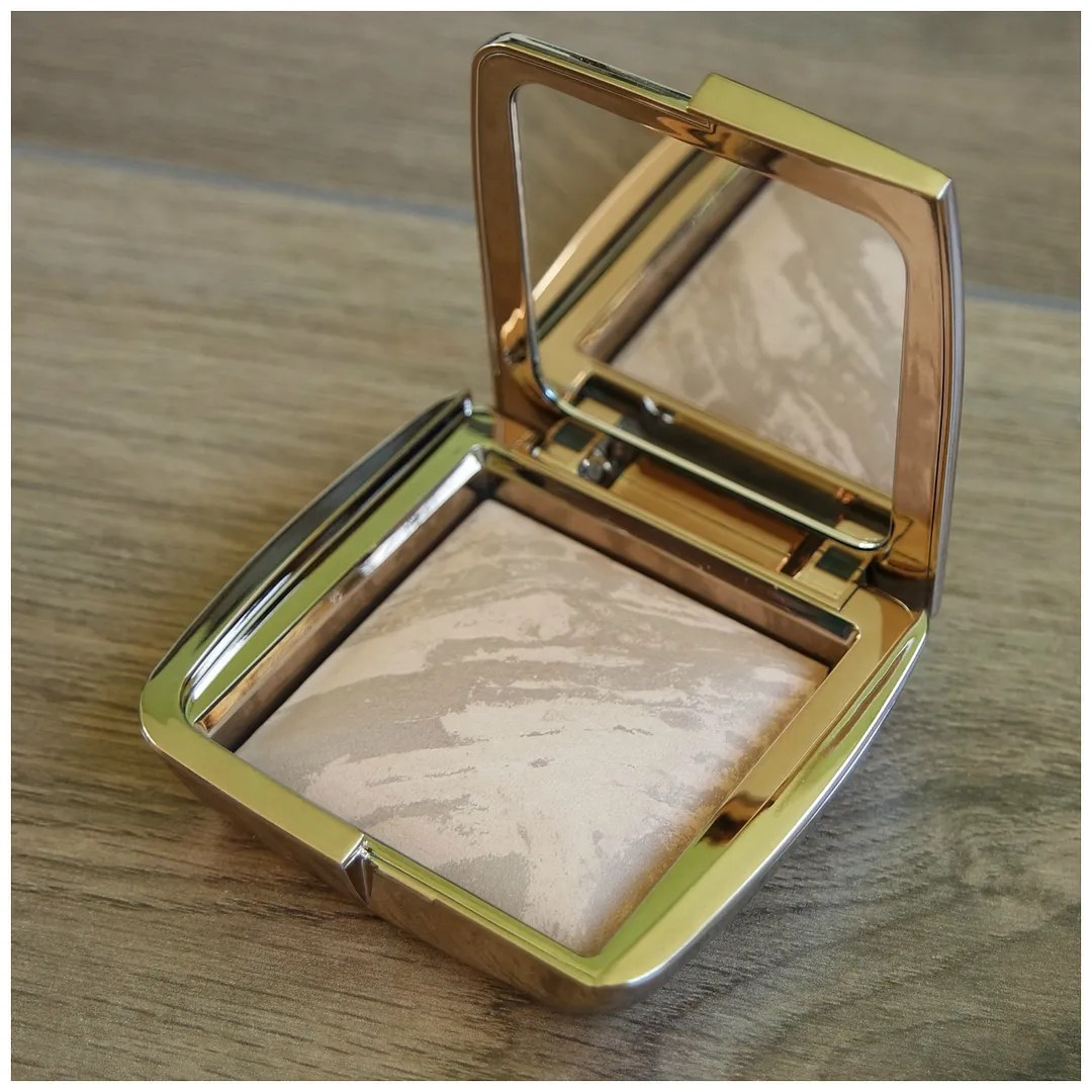 Hourglass Ambient Lighting Bronzer nude bronze light review swatch