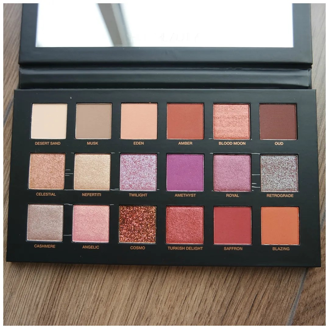 Huda Beauty Desert Dusk eyeshadow palette review swatch