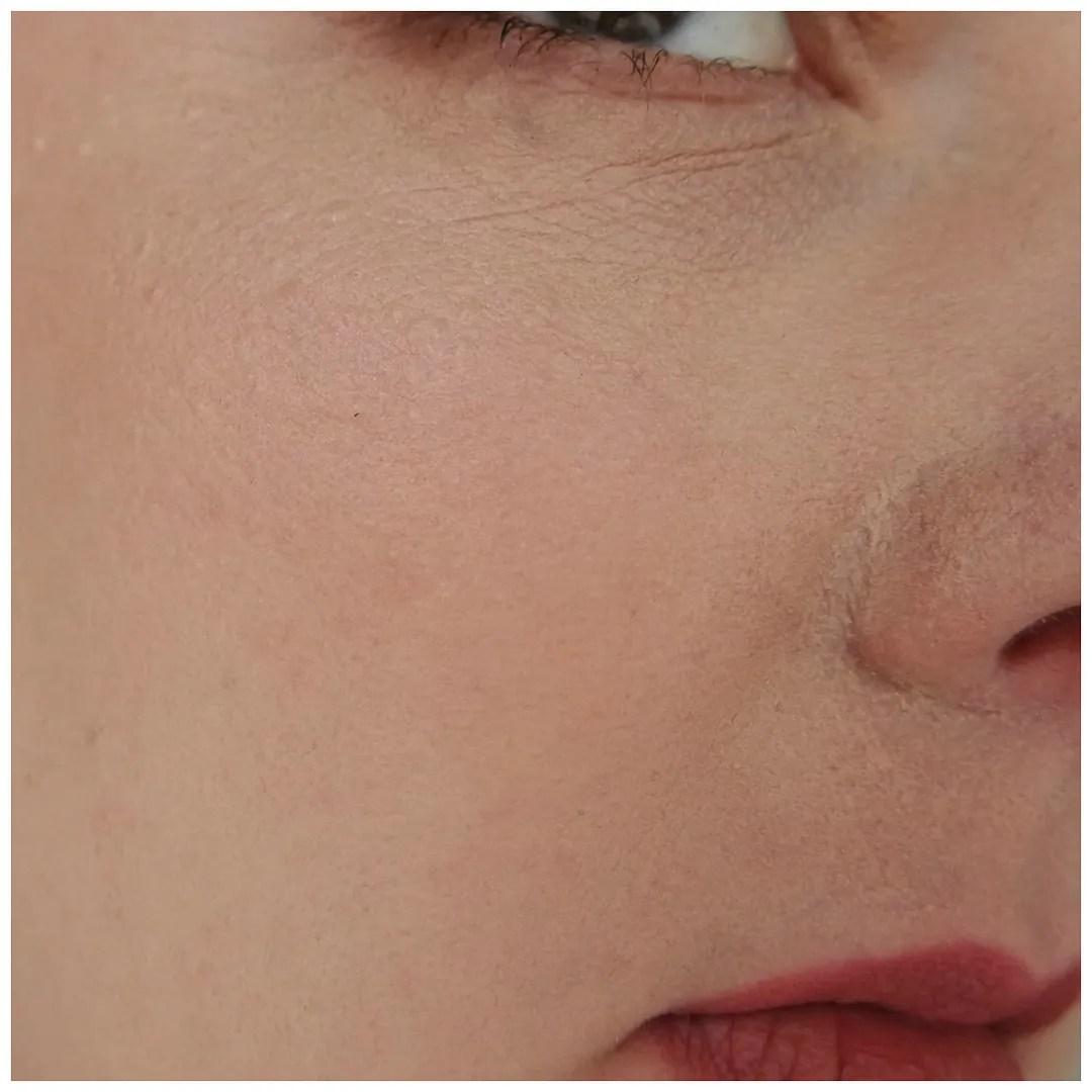 the body shop matte clay skin clarifying foundation review swatch kaili azalea 012