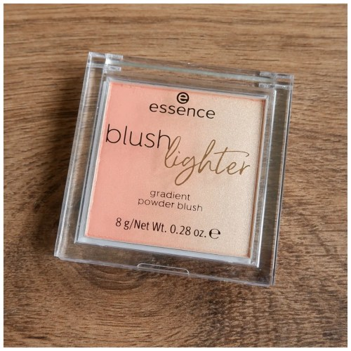 Essence Blush Lighter review swatch makeup look 04 peachy dawn 03 cassis sunburst