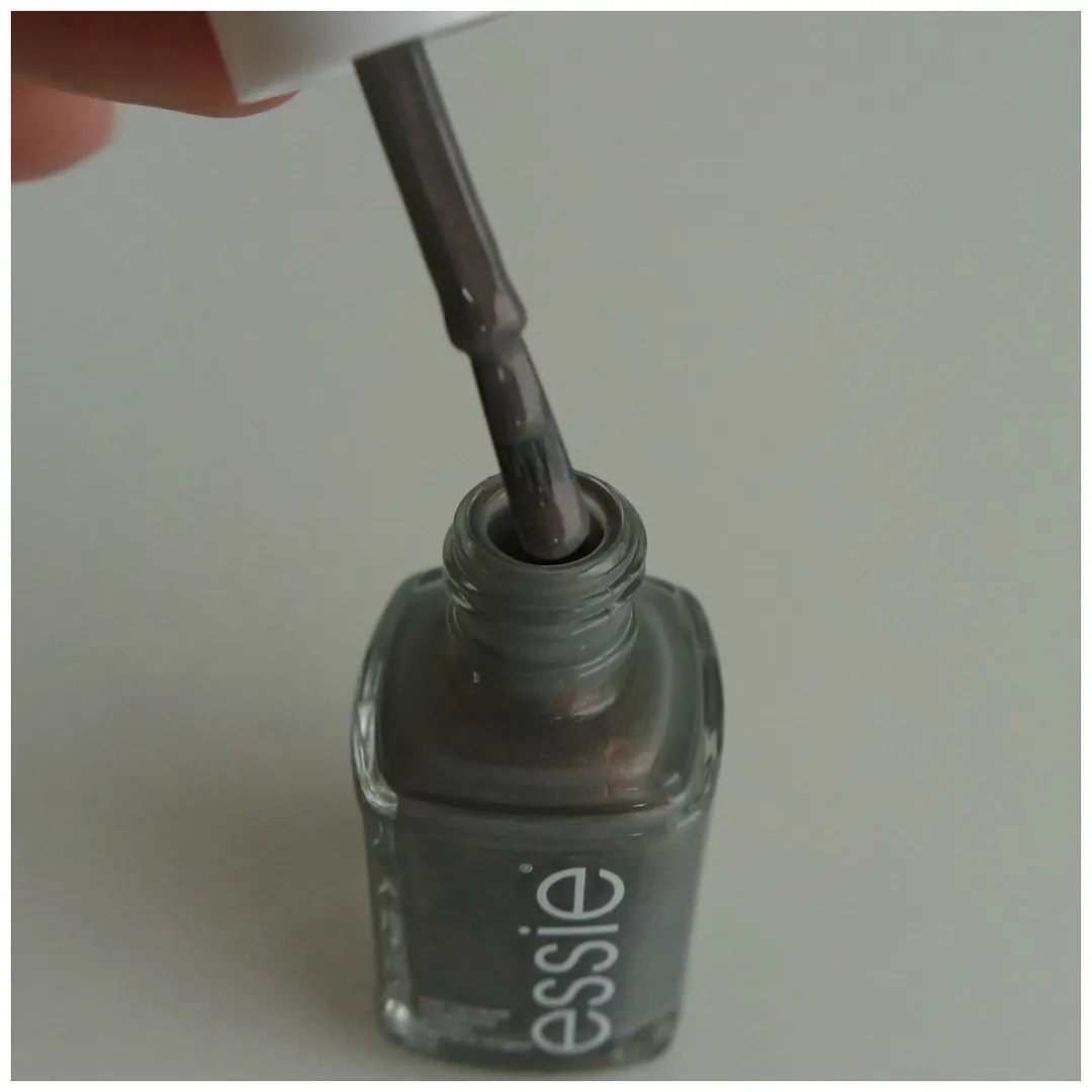 Essie Nail Polish Brush - To Bend Light