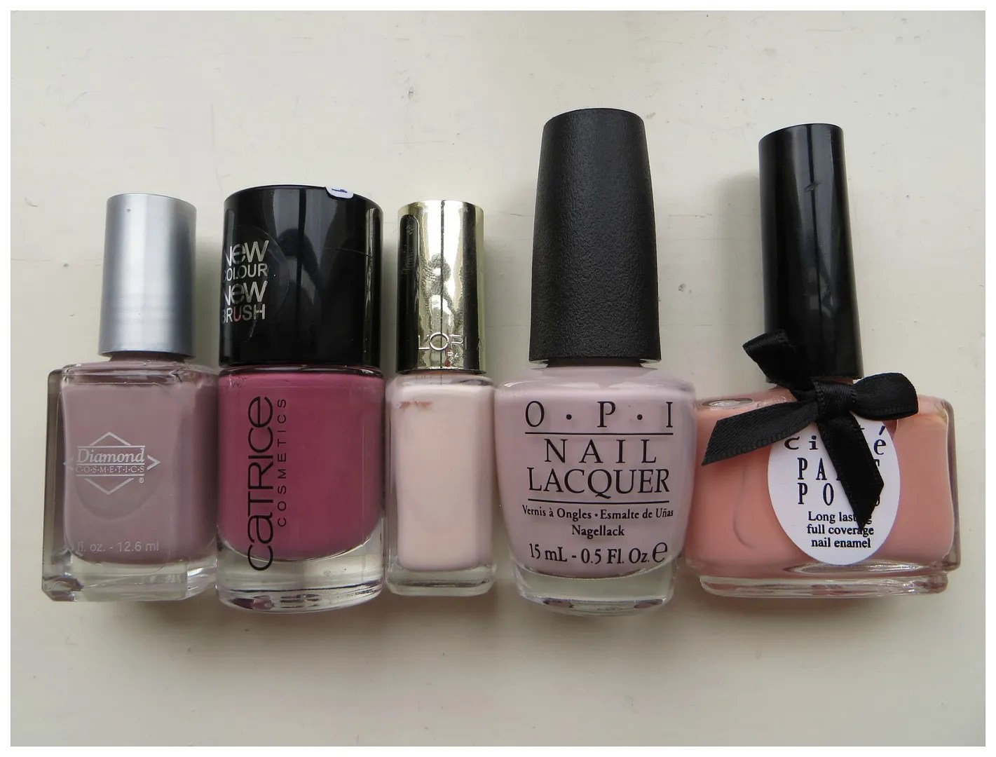 Neutral nail colors – Floating in dreams