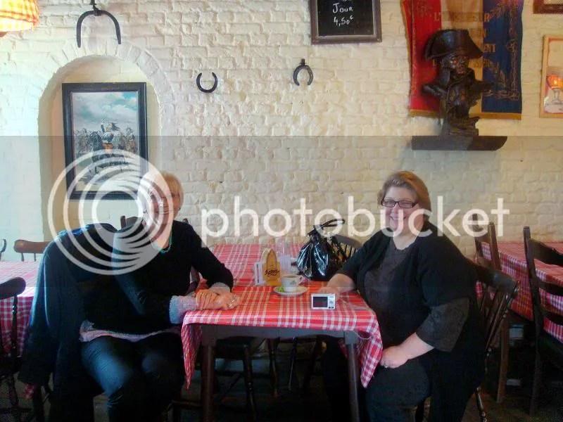 Diane visiting Gattina at Waterloo (picture by Gattina)