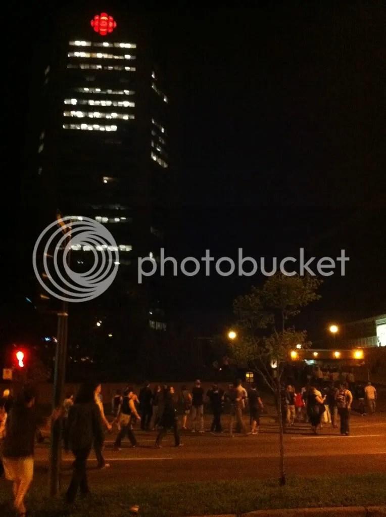Montréal 23 mai 2012 - #manifencours30 - Les Casseroles Prennent La Rue (À Qui Radio-Canada?)
