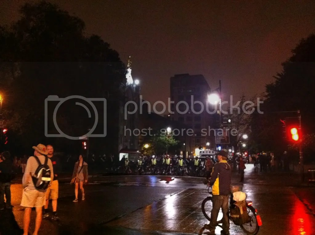 2012-08-10 - 23h33 #manifencours109