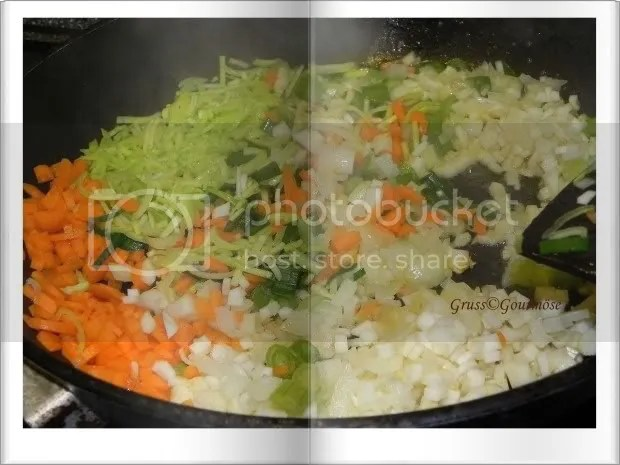 Bolognese-3Std-Gemüse-in-Pfanne-Gruss-© Gourmöse