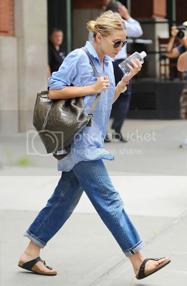 Olsens Anonymous Blog Ashley Olsen Aviator Sunglasses Blue Shirt The Row Green Croc Backpack Cropped Boyfriend Jeans Birkenstock Sandals Evil Eye Anklet Summer Style NYC photo Olsens-Anonymous-Blog-Ashley-Olsen-Blue-Shirt-The-Row-Backpack-Jeans-Birkenstock-Sandals-NYC.jpg