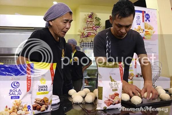 photo membuat roti bungasari_zpswjxdlcto.jpg