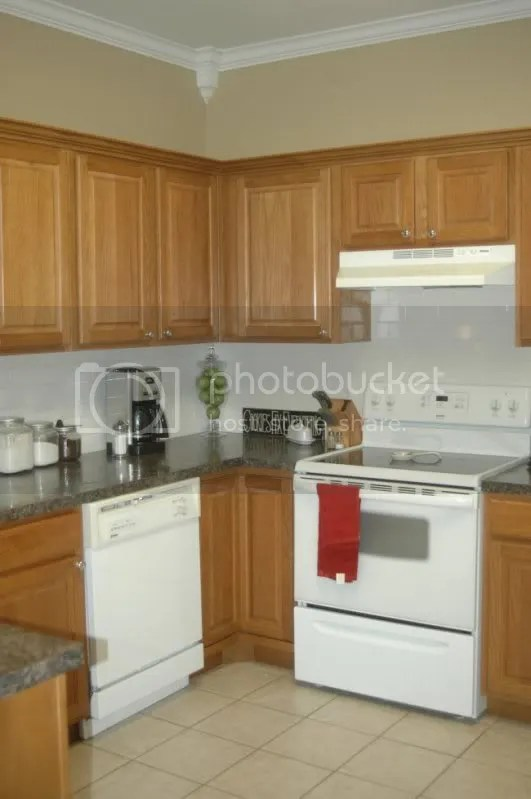paint colors with honey oak cabinetry on What Color Granite Goes With Honey Maple Cabinets  id=73731
