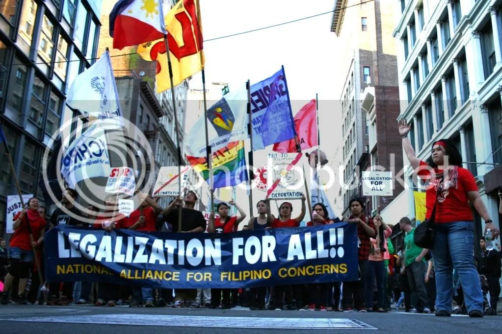 mayday2012_filipinos_RobertoAng.jpg