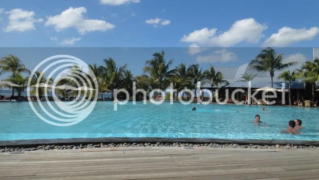 hotel le victoria pool in tropical island mauritius