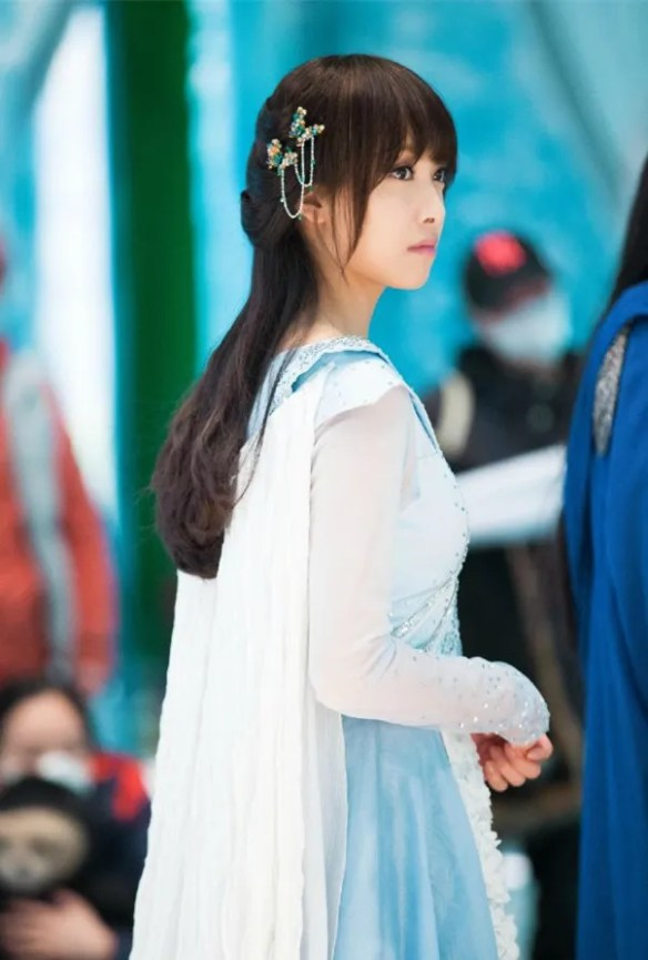 ice princess dating Read ch 3 - pt 5 - info about the kings from the story (book 1) he's dating the ice princess (unpublished version) by filipina (zee ) with 253,140 reads da.