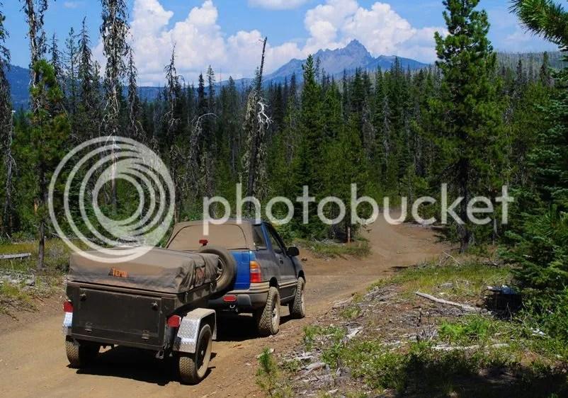 Jeep Trailer Dinoot M416 on Santiam Wagon Trail Oregon above Lost Lake