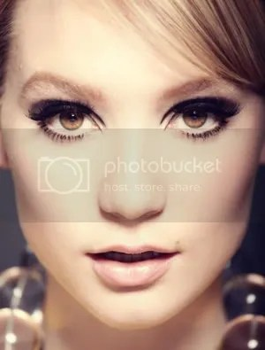 Twiggy Look