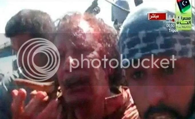 Khadafi diarak keliling kota sebelum dibantai