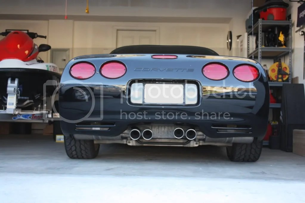 z06 ti exhaust tips crooked