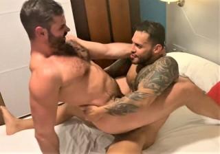 The Sexy Bear the Torremolinos: Viktor Rom, Dani Robles