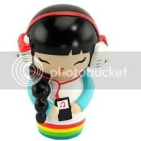 Momiji + Hello Kitty: bonecas mensageiras