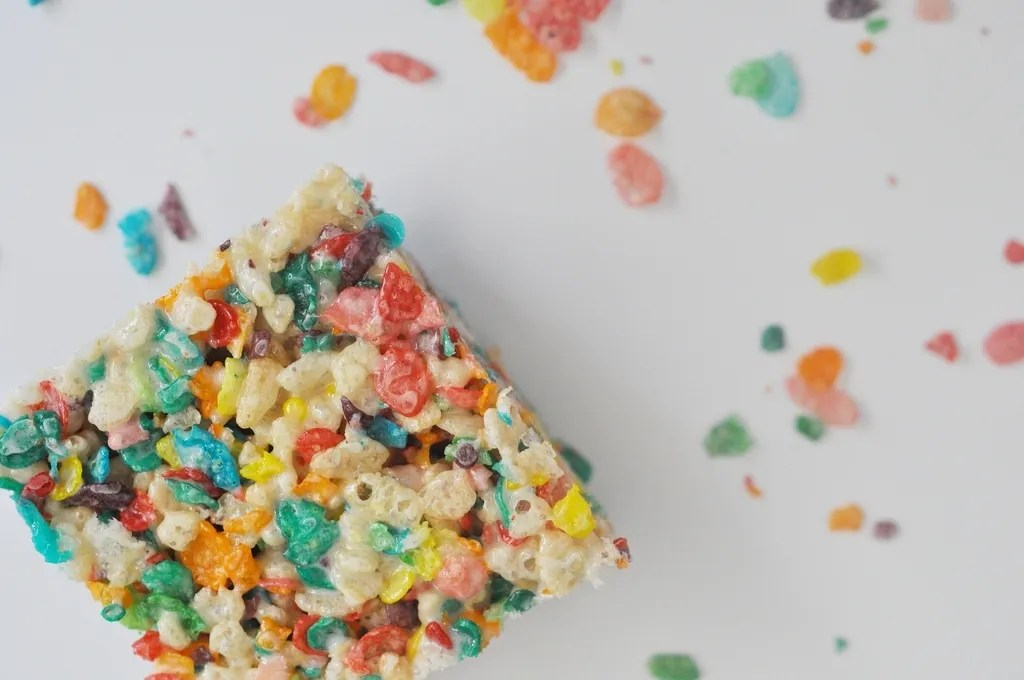 fruity pebbles squares