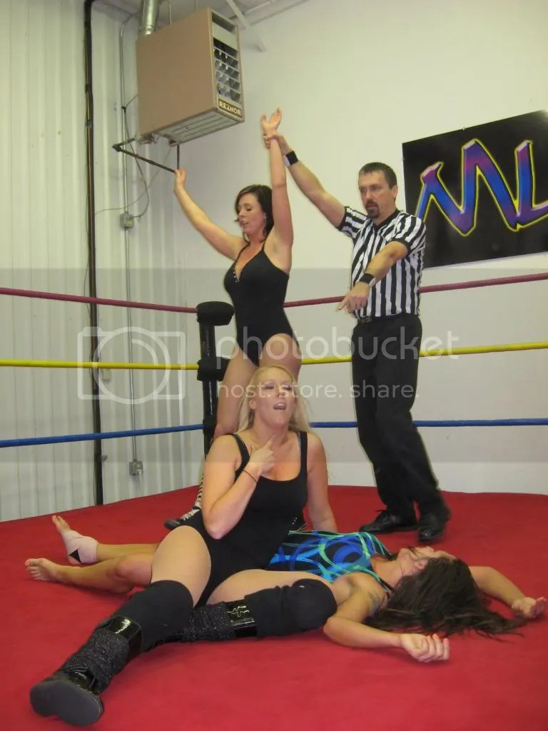 Christie Ricci and Amber O' Neal emerge victorious as they defeat Nikki St. John photo IMG_3167.jpg