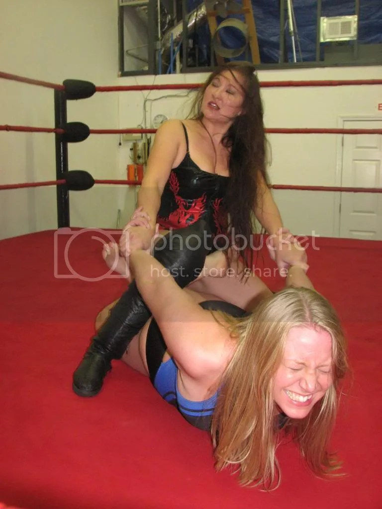Malia Hosaka...STILL Speakign Japanese....has Misty James in a cross legged surfboard photo IMG_2136.jpg
