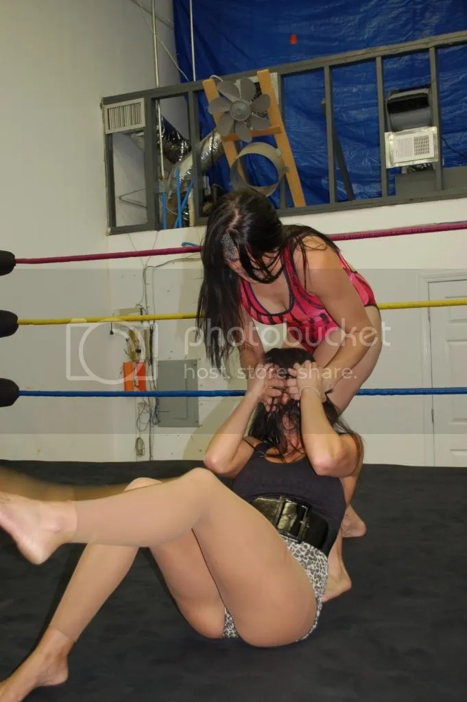 """Smokin' HOTT"" Nikki Lane reverys bavk to illegally gouging the eyes of Santana Garrett once again photo DSC_0431.jpg"