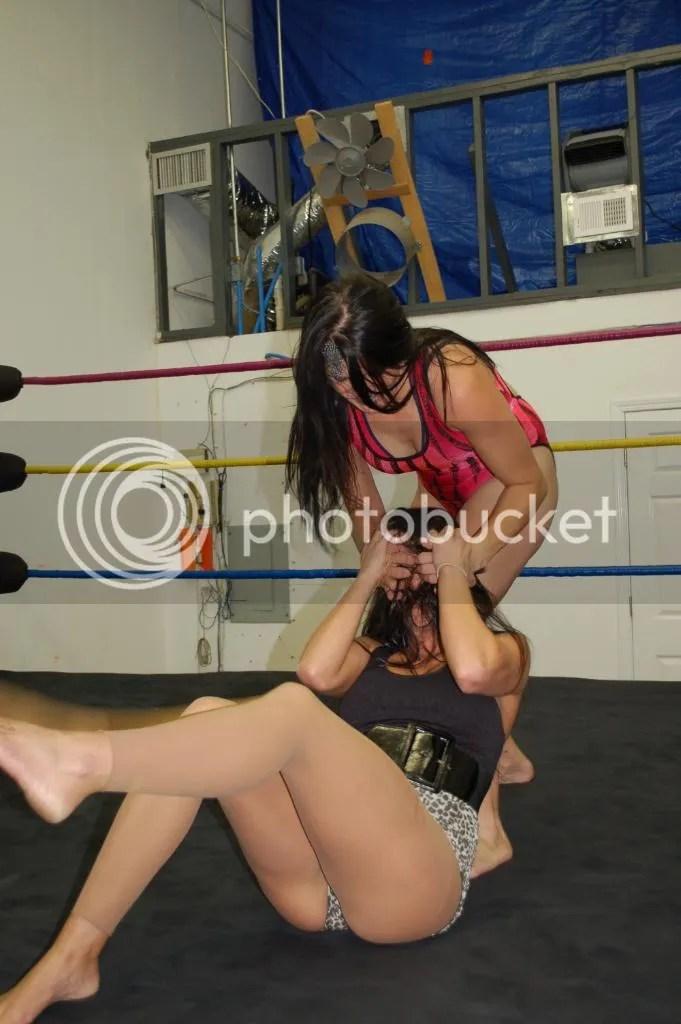"""""""Smokin' HOTT"""" Nikki Lane reverys bavk to illegally gouging the eyes of Santana Garrett once again photo DSC_0431.jpg"""