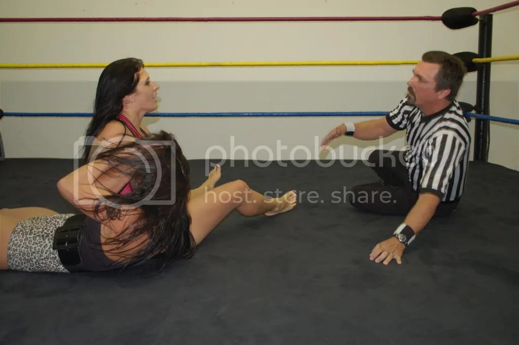 """Smokin' HOTT"" Nikki Lane grabs ans pullss Santana Garrett up by her hair photo DSC_0453.jpg"