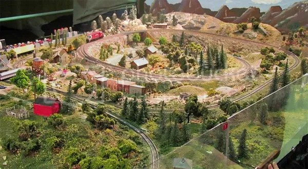 Looking to Buy an O or HO Custom Train Layout?