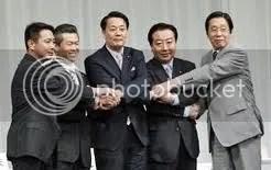 Öten pályáznak a japán kormányfői posztra