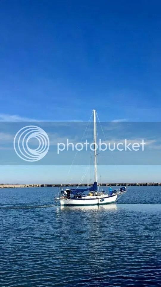 Sundowner leaving the marina