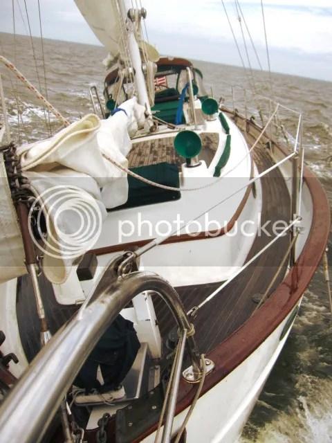 Sailing the North Shore