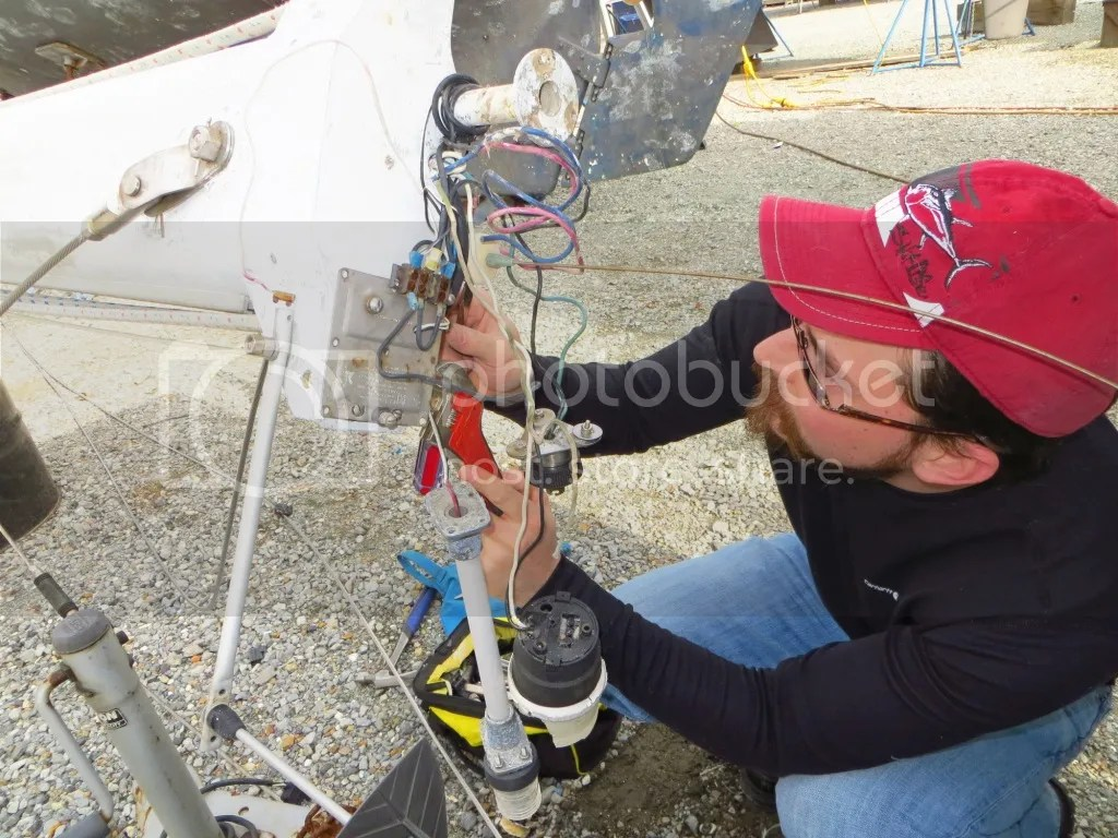 Hard to remove the fittings on the mast head