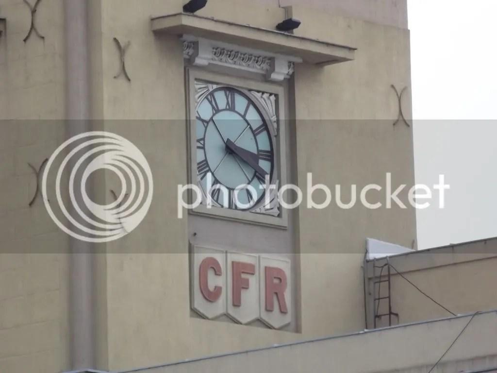 Imagini pentru gara de nord bucuresti ceas