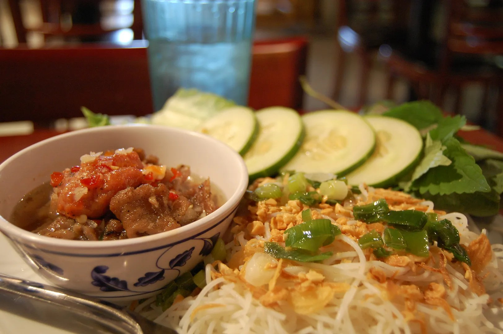 photo Buacuten_ch_Vietnamese_food_zpsht147rxv.jpg