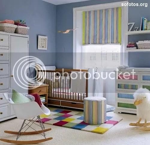Quarto de bebe azul decorado
