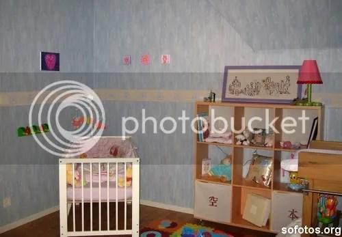 Quarto de bebe pequeno decorado