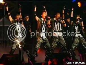 Dong Bang Shin Ki at Japan's MTV award
