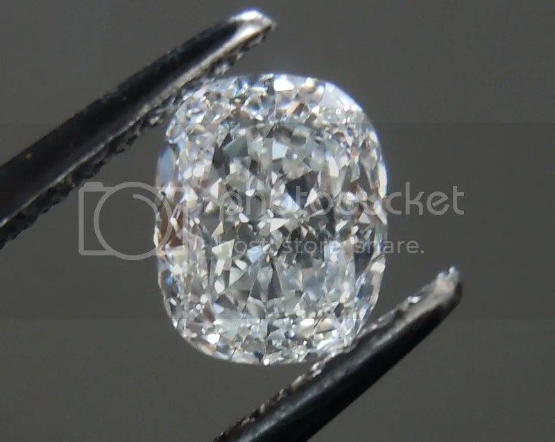 Cushion Cut Diamond Colorless Diamond Diamond RIng