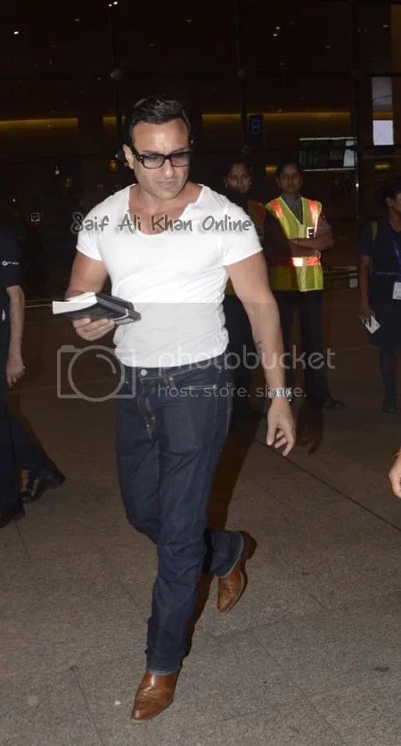 photo Saif-Ali-Khan-Spotted-at-Mumbai-Airport-3_zpsaeuk7ke5.jpg