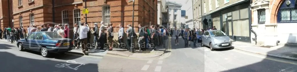 Queue for Alan Moore
