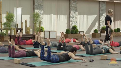 Caley Alyssa ? Flip Flop Yoga Class