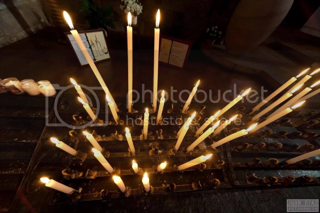 Foto gratis de velas en la Iglesia de San Juan en Saint Jean au Pied de Port, Francia