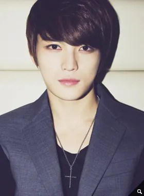 http://s1147.photobucket.com/albums/o550/JYJThree/2012/November/KJJ%20Korean%20Interviews/Movie%20Naver/?action=view&current=1543_01.jpg