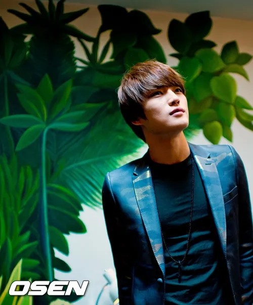 http://s1147.photobucket.com/albums/o550/JYJThree/2012/November/KJJ%20Korean%20Interviews/Osen/?action=view&current=201211150431776358_50a3f18a22819.jpg